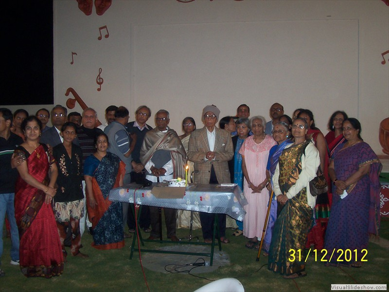 Cake cutting at smiles old age home in hyderabad (1)