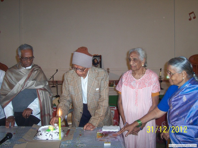 Cake cutting at smiles old age home in hyderabad (2)